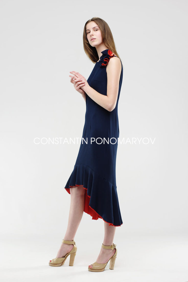 Летнее платье, универсальный асимметричный сарафан, дневного и вечернего образа.